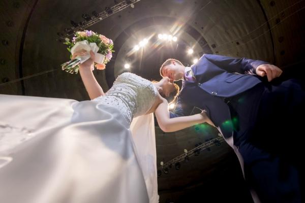 услуги по организации свадьбы от транспорта и ресторана до бутоньерки