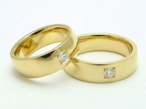 как носить кольца с камнями