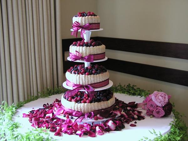 свадебный торт и другие кондитерские изделия