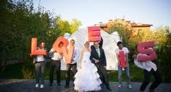 как провести свадьбу в стиле Love is