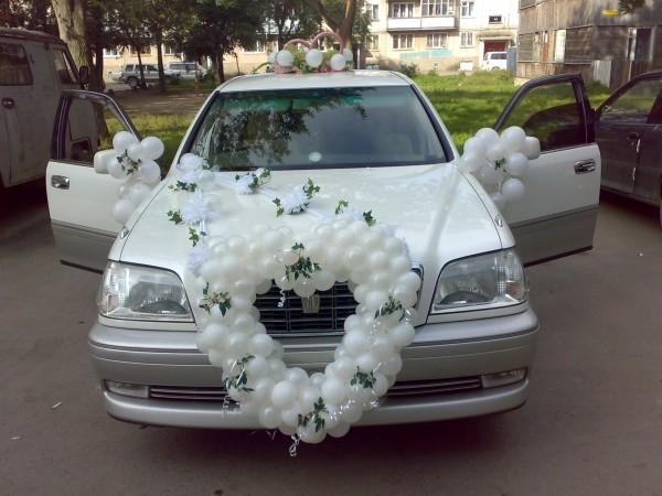 сколько нужно купить воздушных шаров для декора авто