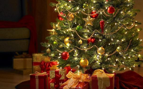 украшенная елка символ нового года
